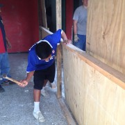 Juanes helped to remove an unnecessary wall in the center.