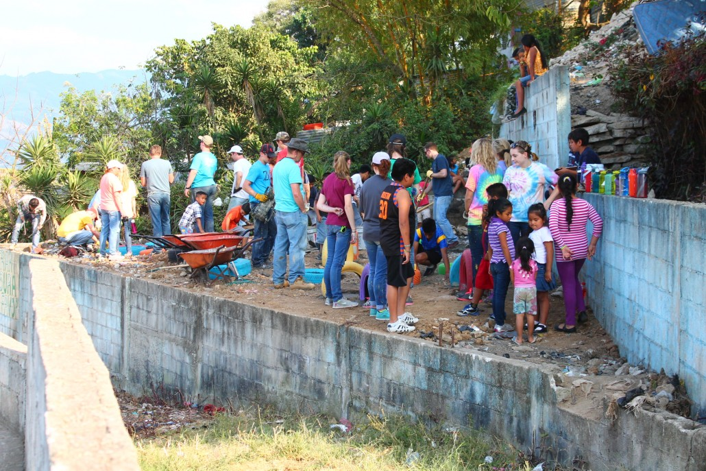 The team from Asbury partnered up with local children and families to work on the playground, bringing #hope and #brotherhood to Paraíso.